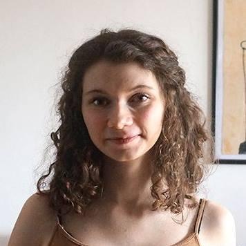Designer Headshot Anna Grunduls