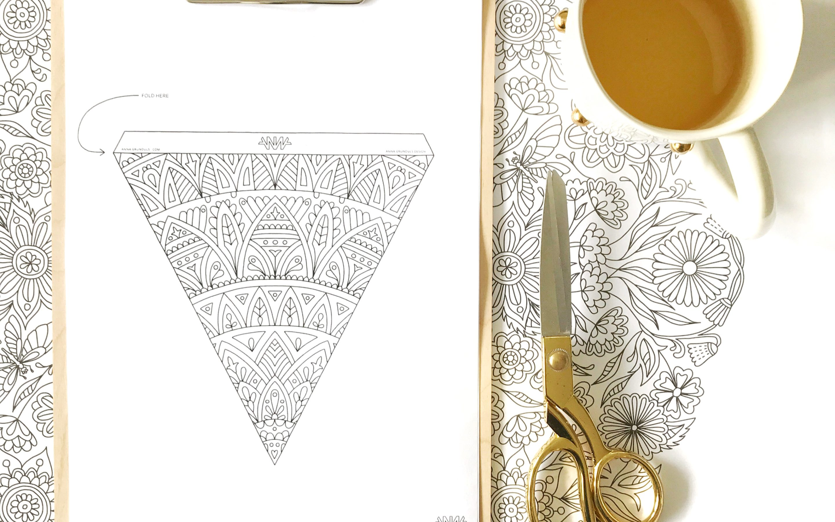 Adult Coloring Bunting in 5 Easy Steps